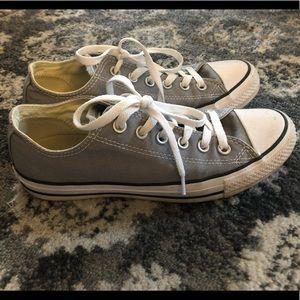 Women's size 9 Converse